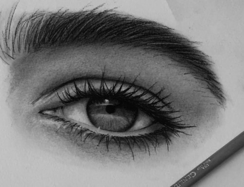 4 Steps to Drawing Eyes Better with Charcoal